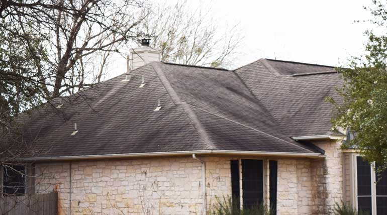 How long does a roof last in Austin
